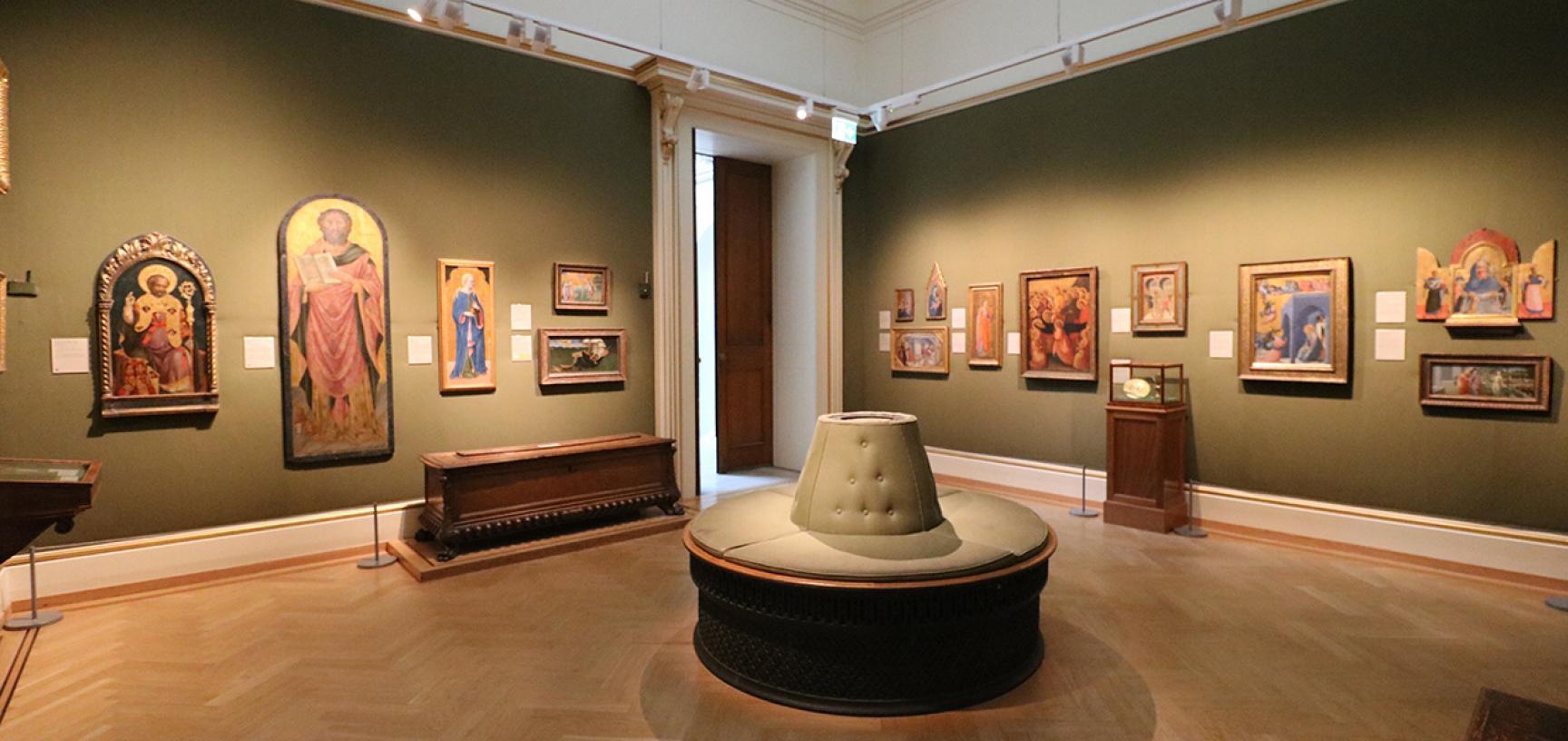 EARLY ITALIAN ART Gallery at the Ashmolean Museum