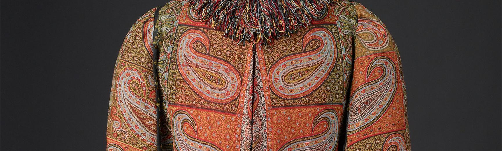 A winter kashmir shawl with fringed collar
