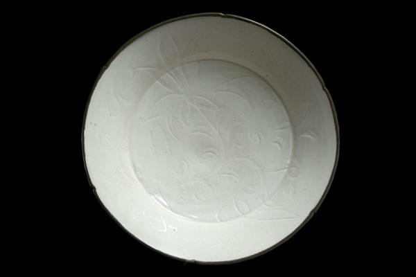 Ding ware dish