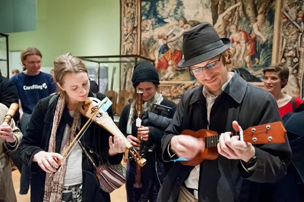 48 ashmolean folk night 22 11 13 by john cairns 36