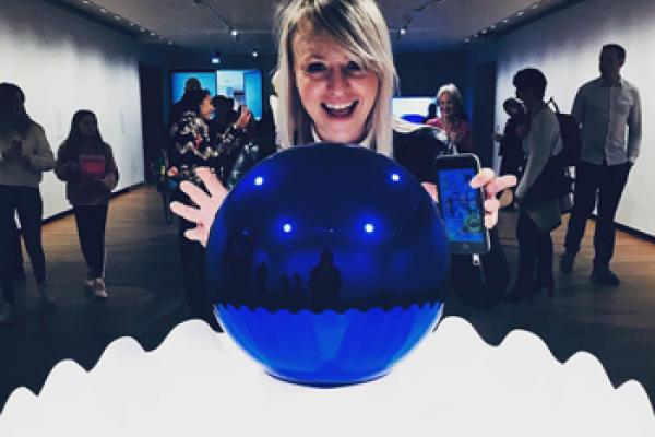 Jeff Koons exhibition Instagram photo by jonespolly
