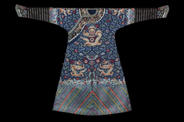 Chinese c.19th formal silk robe, traditional Han design with alterations inspired by Manchu horsemen.